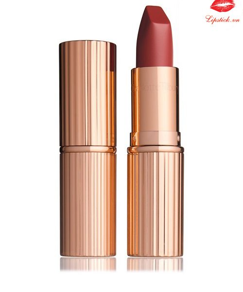 charlotte-tilbury-bond-girl-1