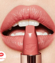 Son-Charlotte-Tilbury-hot-Lips-2-In-Love-with-Olivia